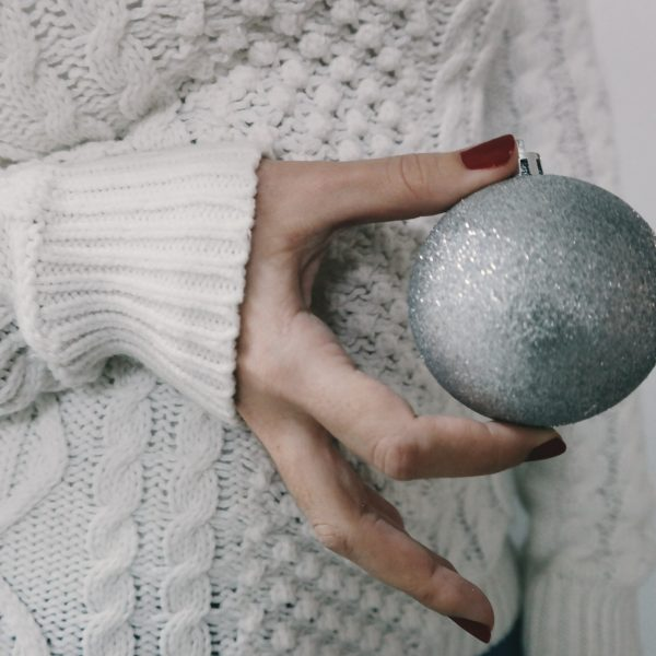 5 Perfect Nail Colors for Christmas